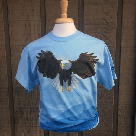 Eagle with outspread wings tee
