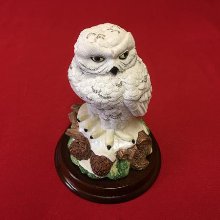 mi-240 Snowy Owl Statue